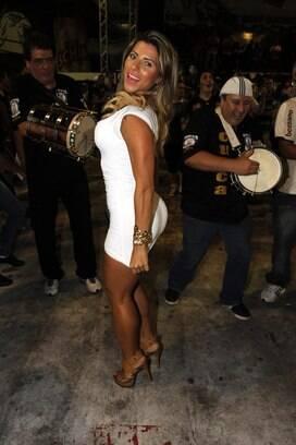 765aa1db5d Ana Paula Minerato marcou presença na quadra da Gaviões da Fiel na noite  dessa terça-