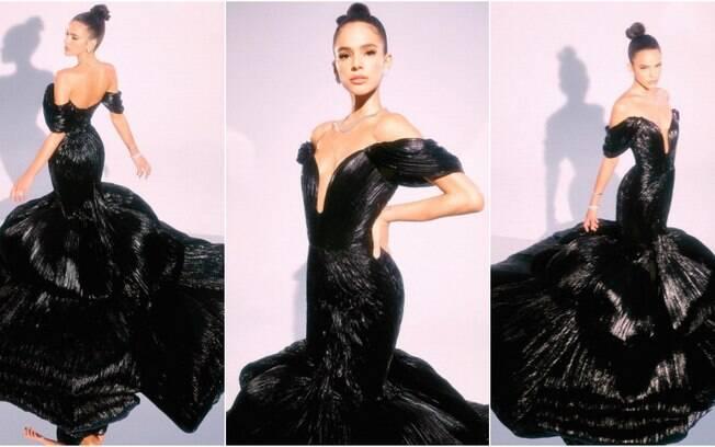 Bruna Marquezine esbanjou elegância em um dos vestidos usados na apresentação do Prêmio MTV Miaw