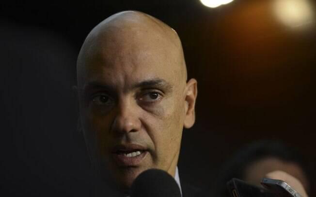 Para o secretário de Segurança Pública de SP, Alexandre de Moraes, a queda nos indicadores é resultado do esforço das polícias; ele garante que, apesar da crise, não foram feitos cortes