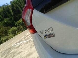 Volvo V60 Momentum T5