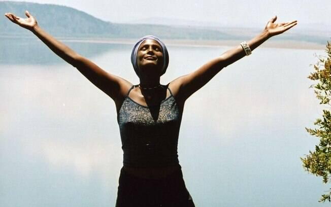 Waris Dirie tornou-se famosa não apenas por seu trabalho como top model, mas por ser ativista contra a FGM (Arquivo). Foto: Reprodução/Facebook