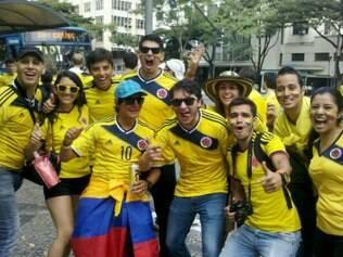Torcedores da Colômbia comemoraram a vitória da seleção em cima da Grécia no Mineirão