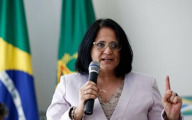 Damares Alves defende maior participação das mulheres na política