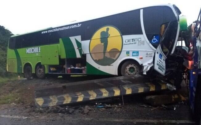 colisão ônibus