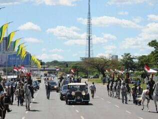 Dilma Rousseff usará o Rolls Royce presidencial pela segunda vez em cerimônias de posse. Ato só repetido pelos ex-presidentes Fernando Henrique e Lula