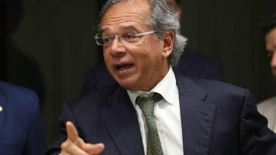 Paulo Guedes vê medida como alternativa para permitir gastos com programas econômicos