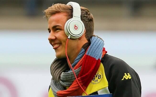 Mario Götze ouve música antes de partida