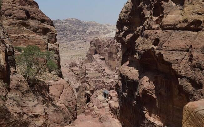 Outra das 7 maravilhas do mundo moderno é um sítio arqueológico no meio do deserto que vai te dar tempo para refletir