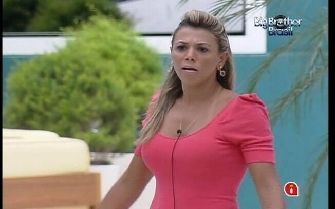 Fabiana diz que Monique é muito estressada