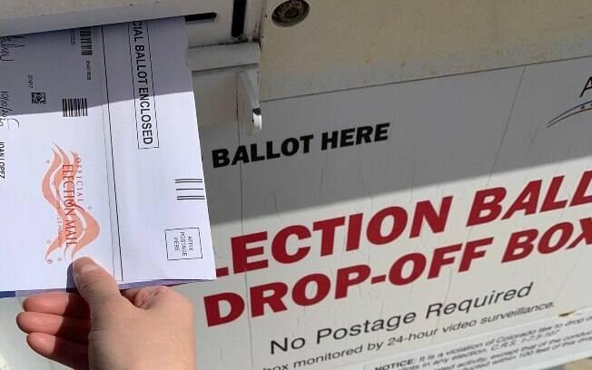 Números de pessoas que preferiram votar pelos correios já é superior a 10 milhões nos EUA
