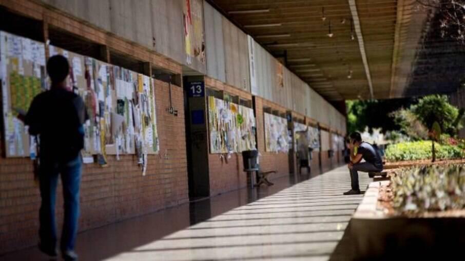 MEC revoga proibição de manifestações políticas nas universidades