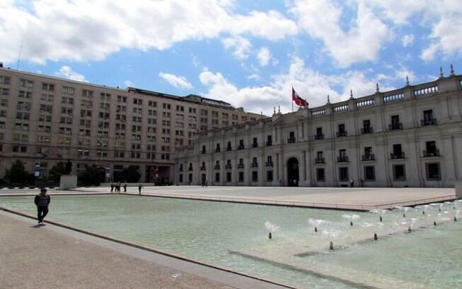O Palácio de La Moneda é uma das paradas obrigatória na lista de o que fazer em Santiago. É lá que fica o gabinete do presidente