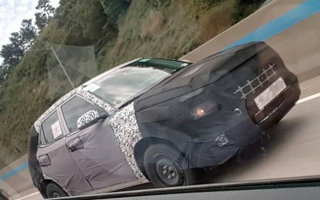 Mini SUV da Hyundai é flagrado com disfarces no país de origem. Deverá chegar ao mercado na virada de 2019 para 2020