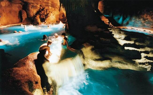 Caverna faz sucesso no Carroção