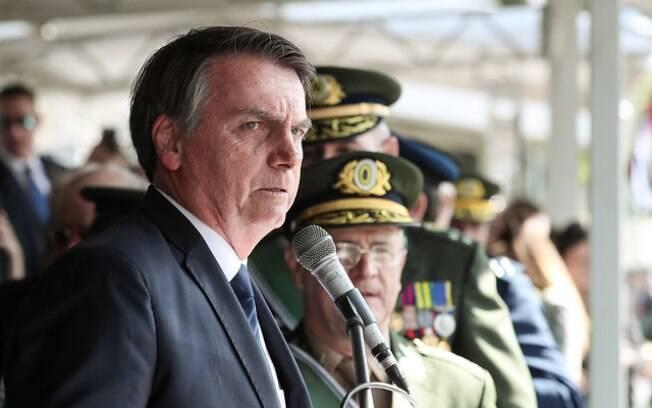Bolsonaro participa de solenidade de Passagem do Comando Militar do Sudeste