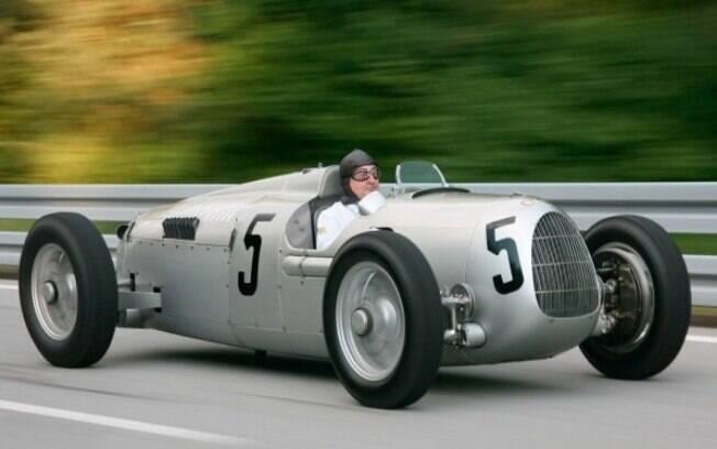 Se colocássemos o vovô em uma lista dos carros de produção mais rápidos do mundo até 2017, ocuparia a 37ª colocação