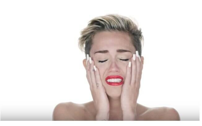 Wrecking Ball (Miley Cyrus) é para quem está despedaçado e sofrendo de amor