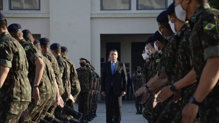 Revisão de reformas dos militares tem novas regras