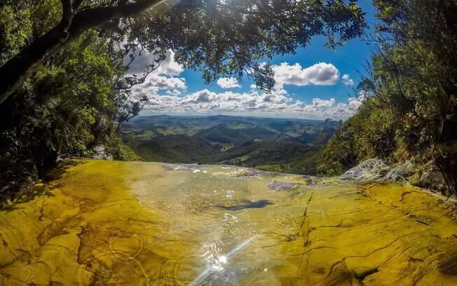 A janela do céu é uma das atrações de Conceição de Ibitipoca