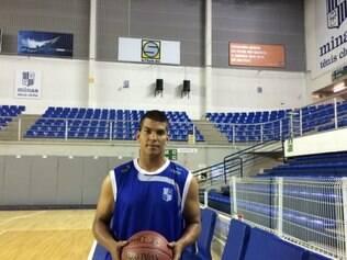 Robby Collum volta ao basquete mineiro. Ele teve passagem destacada pelo Uberlândia