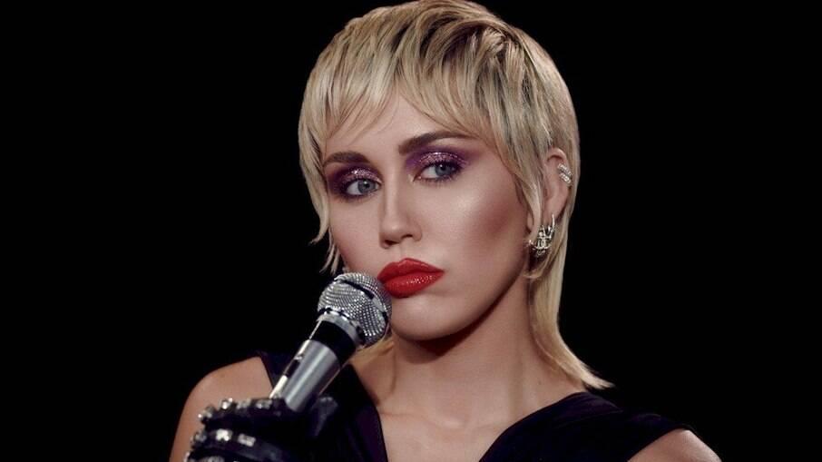 Miley Cyrus virá para o Lollapalooza