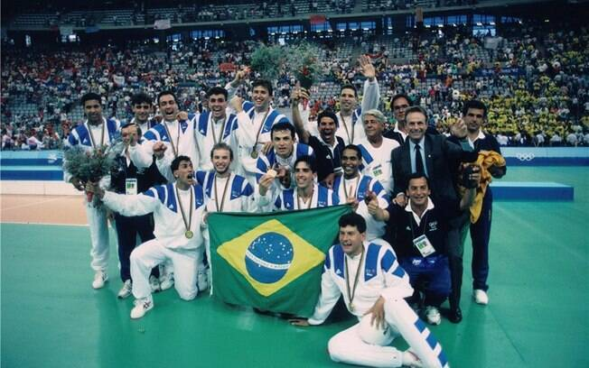 Brasil conquistou o ouro no vôlei de quadra nas Olimpíadas de Barcelona