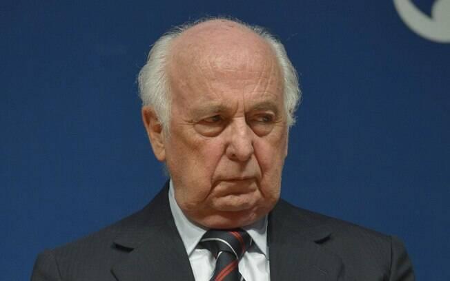 Fundador do PSDB, Bresser-Pereira ocupou cargos de ministro nos governos Sarney e Fernando Henrique Cardoso