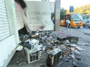 Vandalismo. Na Copa das Confederações, em 2013, lojas da avenida Antônio Carlos foram atacadas por vândalos durante manifestações