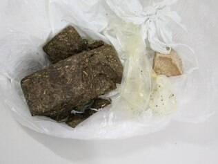 Jovem queria levar a droga para o seu namorado, que está preso no Ceresp Betim