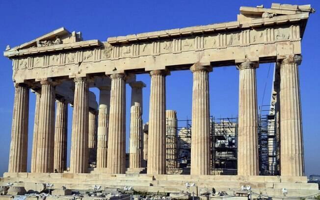Athenas, na Grécia,  é um local ideal para quem quer reviver a história