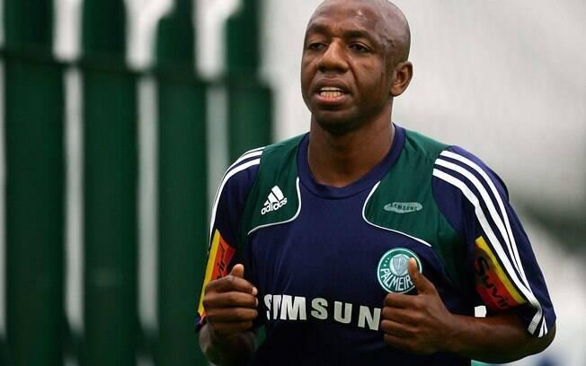 Amaral fez sucesso no Palmeiras na primeira  metade da década de 1990. Após passagem por  Portugal, foi para o Corinthians em 1998 e foi  campeão brasileiro