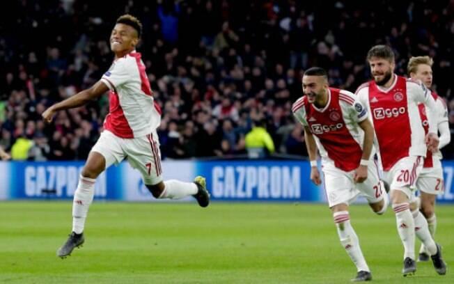David Neres marcou o gol de empate contra a Juventus nas quartas da Liga dos Campeões