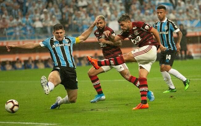 Grêmio e Flamengo empataram em 1 a 1 na primeira partida da semifinal da Libertadores