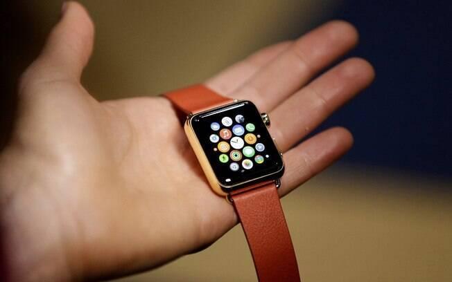 Apple Watch está à venda nos EUA e em alguns países da Europa por preços que variam de US$ 549,00 a US$ 17 mil