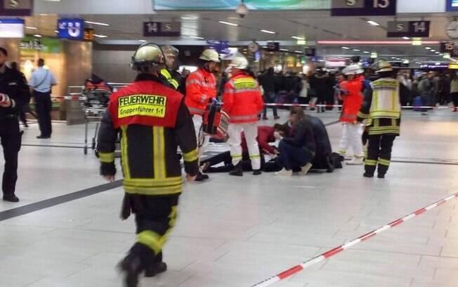 Ataque ocorreu em estação de trem da Alemanha, por volta das 20h50 locais, nesta quinta-feira