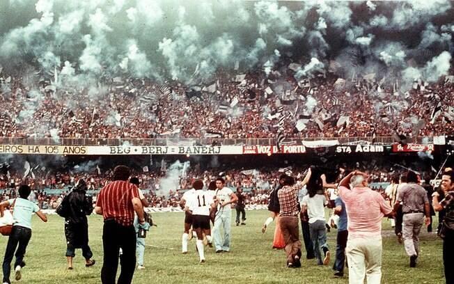 O jogo entre Corinthians e Fluminense, na semi do Campeonato Brasileiro de 1976, teve um total de 146 mil espectadores, 70 mil era torcida paulista