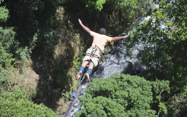 O salto em Jan Jose é dado na ponte do rio Colorado, a uma altura de pouco mais de 80 metros