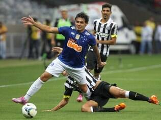 Esportes - Partida entre Cruzeiro MG x Santos SP valida pela pela Serie A do Campeonato Brasileiro 2014 no Estadio Mineirao em Belo Horizonte MG. Foto: Alex de Jesus/O Tempo 17/08/2014    FOTO