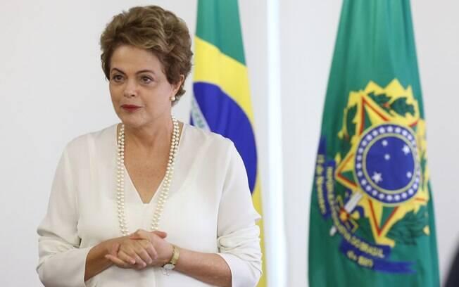 Em artigo, Dilma Rousseff falou o que espera da situação política e econômica para 2016