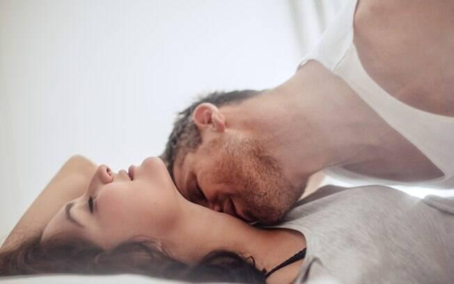 Tomados pela empolgação, alguns casais acabam fazendo coisas que não são recomendadas na hora do sexo