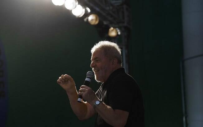 Lula teve sua candidatura registrada junto ao TSE nessa quarta-feira, com ato político da militância do PT