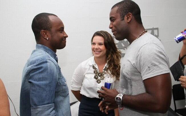 Thiaguinho e Fernanda Souza com o ator Rafael Zulu