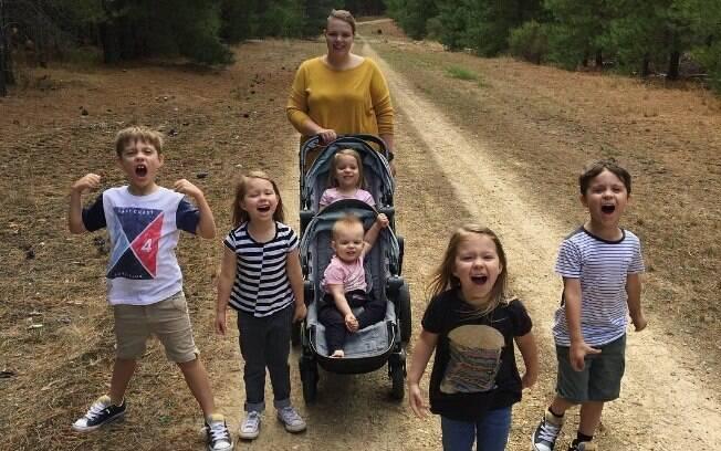 Mãe de seis, Krechelle ficou com medo de piorar ainda mais sua condição com o sobrepeso e decidiu mudar alguns hábitos