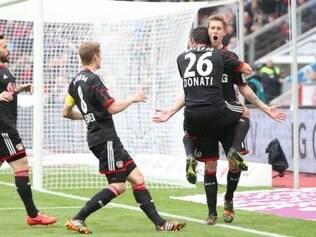 Com o triunfo em casa, o time de Leverkusen segue na briga pelo terceiro lugar da tabela