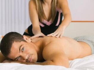 A massagem se diferencia de outras práticas eróticas por ser muito afetiva e um pouco mais fácil de ser inserida na rotina do casal