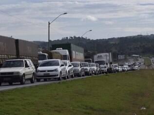 Congestionamento na BR-381, entre Betim e Igarapé