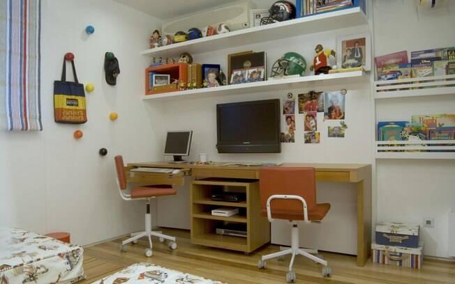 Arrume o quarto das crianças para a volta às aulas Dicas  ~ Como Fazer Uma Mesa De Estudo Para Quarto