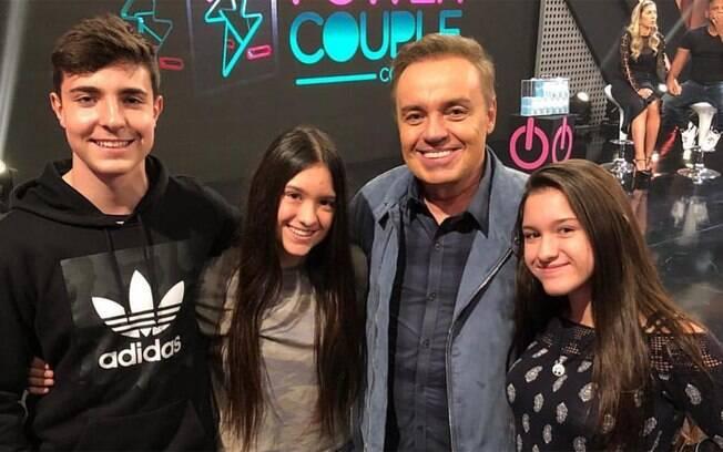 Os filhos de Gugu Liberato continuam mantendo contato com quem era próximo ao apresentador