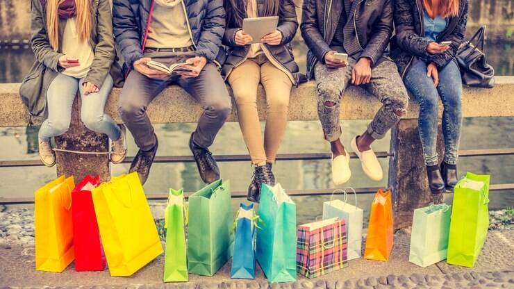 SPC Brasil: quatro em cada dez brasileiros compra por impulso