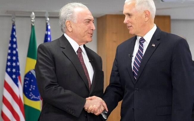 Tema das crianças brasileiras em abrigos dos EUA foi tratado no encontro entre vice-presidente do EUA e Michel Temer